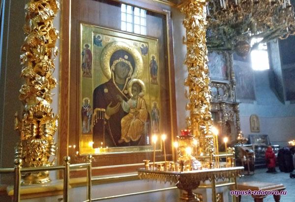 Икона Донской Богоматери в Донском монастыре