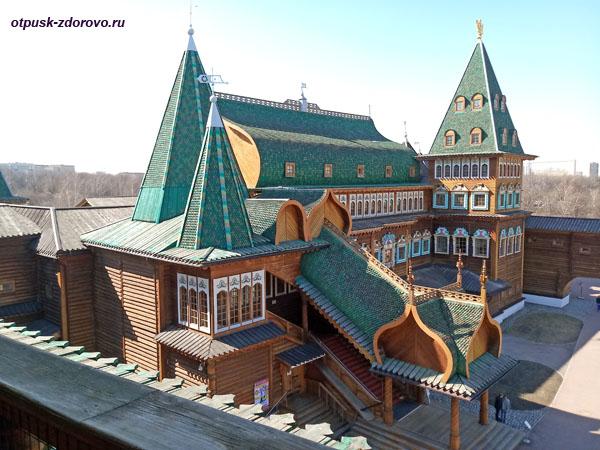 Царский дворец под Москвой в с. Коломенское
