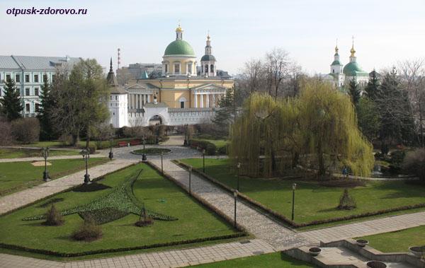 Вид на Свято-Даниловский монастырь в Москве