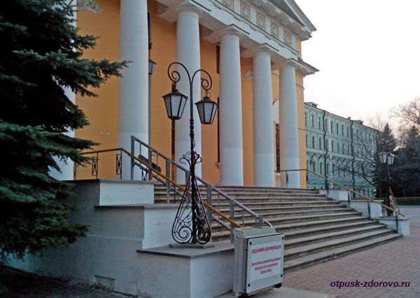 Собор Святой Троицы, Свято-Даниловский монастырь в Москве