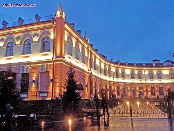 Покровская монастырская гостиница в Москве