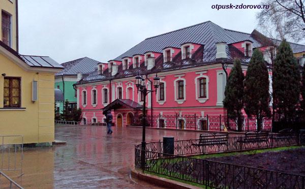 Сестринский корпус, Покровский монастырь в Москве