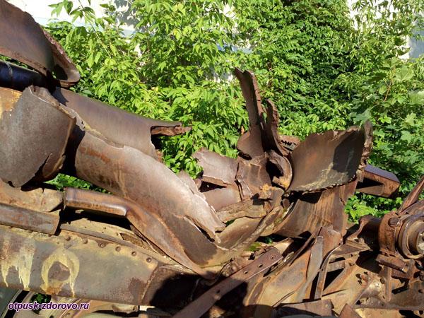 Немецкая полевая гаубица, следы от разрыва, Историко-художественный музей, Серпухов