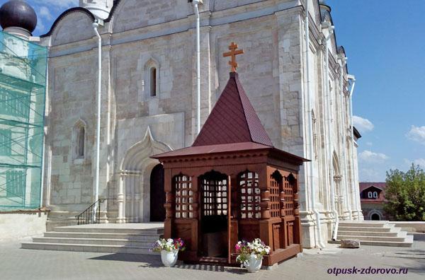 Часовня Варлаама Серпуховского. Введенский Владычный женский монастырь, Серпухов