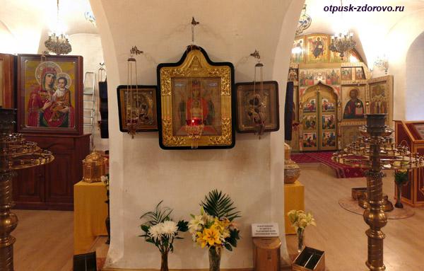 Икона Неупиваемая Чаша. Введенский Владычный женский монастырь, Серпухов
