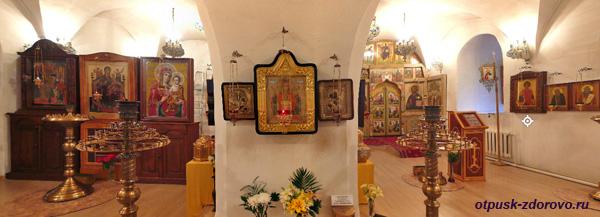 Церковь Георгия Победоносца. Введенский Владычный женский монастырь, Серпухов