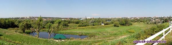 Панорама с видом города Серпухов с холма Высоцкого монастыря