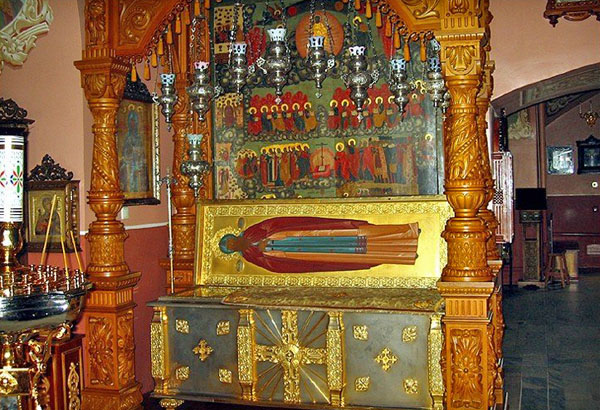 Рака с мощами св Афанасия Младшего в Покровском храме, Высоцкий монастырь, Серпухов