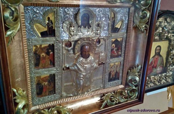 Старинная икона святителя Николая Чудотворца в Никольском храме,Высоцкий монастырь, Серпухов