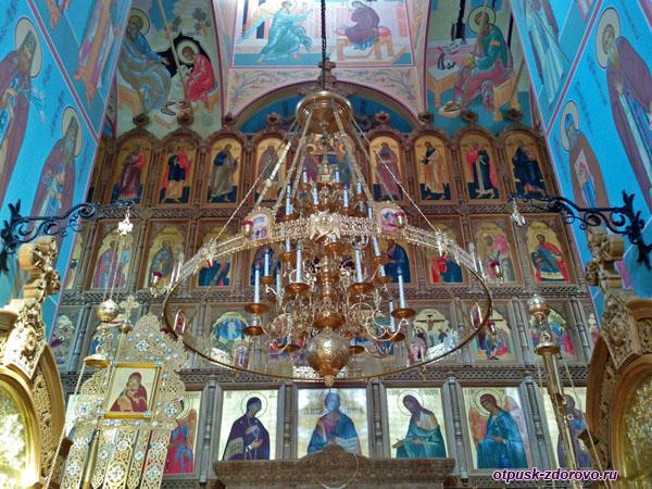 Внутри Зачатьевского храма, Высоцкий монастырь, Серпухов
