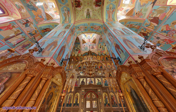 Росписи внутри Зачатьевского храма, Высоцкий монастырь, Серпухов