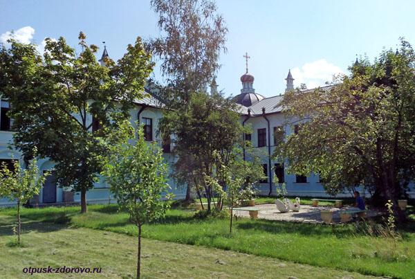 Паломническая гостиница, Высоцкий монастырь, Серпухов