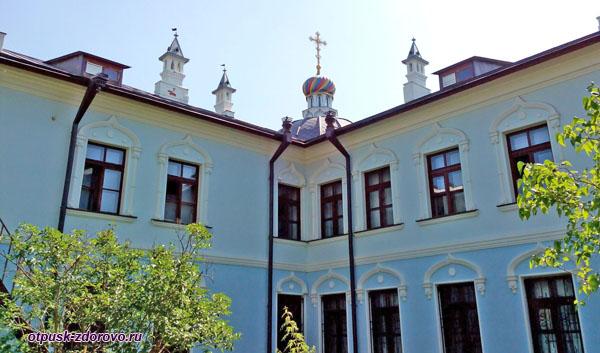 Купол над гостиницей для паломников, Высоцкий монастырь, Серпухов