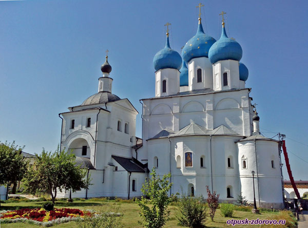 Никольский и Зачатьевский храмы, Высоцкий монастырь, Серпухов