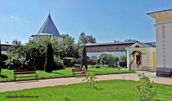 Территория, Высоцкий монастырь, Серпухов