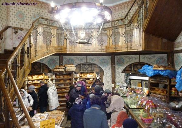 Саввино-Сторожевский монастырь, хлебная монастырская лавка
