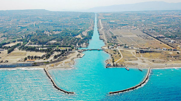 Начало Коринфского канала