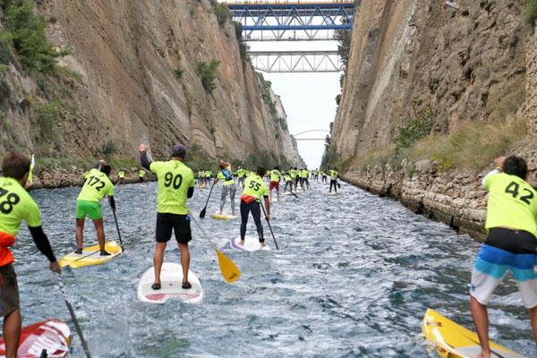 Заплыв на досках через Коринфский канал