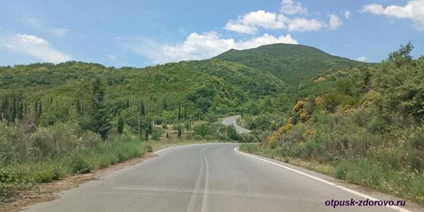 Горы и дорога, Пелопоннес
