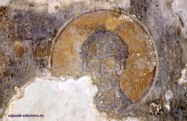 Фрески на стенах церквушки святой Феодоры Васты