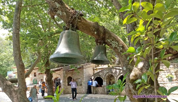 Колокола у храма св. Феодоры Васты, Греция