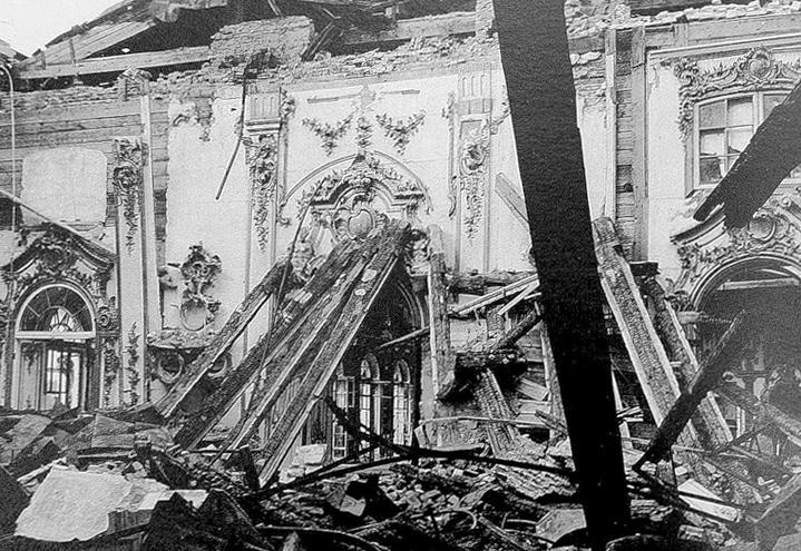 Екатерининский дворец в Царском Селе (город Пушкин)-война