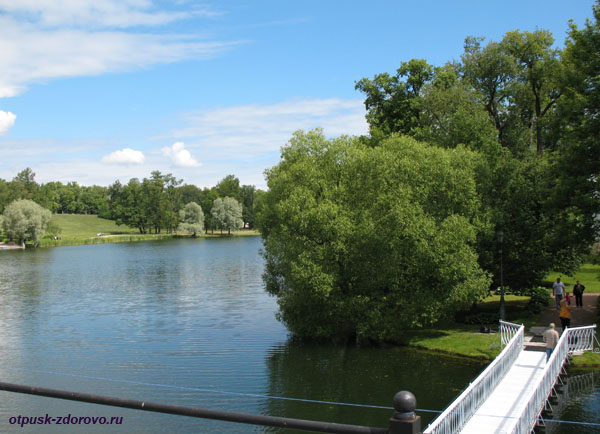Екатерининский парк в Царском Селе (город Пушкин), остров в центре озера