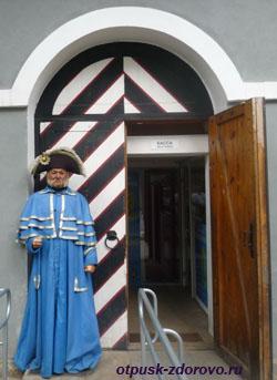 Музей восковых фигур в Петербурге? Вам в Петропавловскую крепость