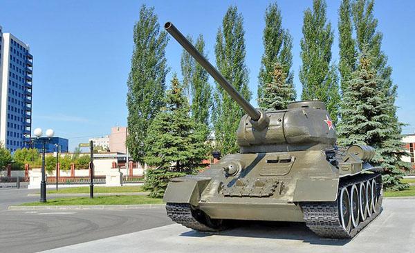 Танк в Парке Победы Казани