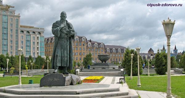 Памятник поэту Кул Гали, Парк тысячелетия Казани