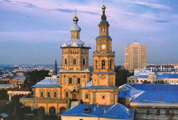 Вид на Казанскую Петропавловскую церковь