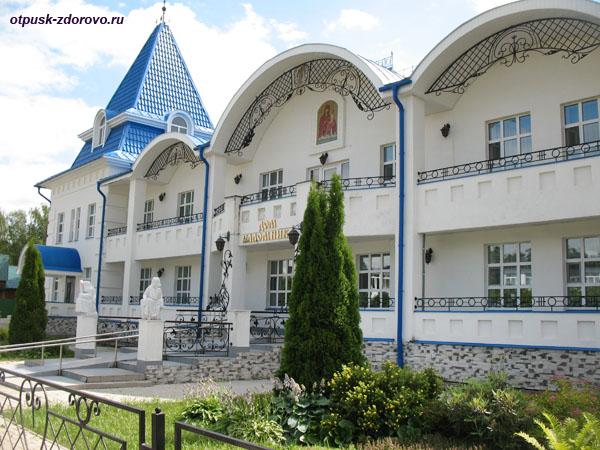 Дом паломника возле Казанского Раифского монастыря