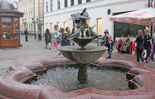 Фонтан Голуби на улице Баумана, Казань