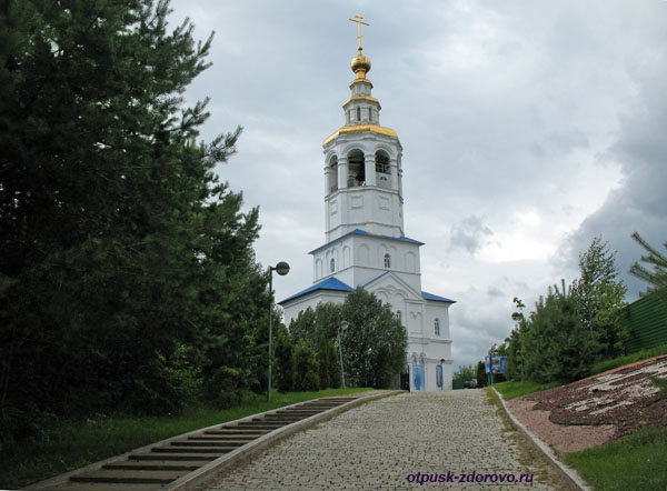 Колокольня Зилантова монастыря на Змеиной горе, Казань