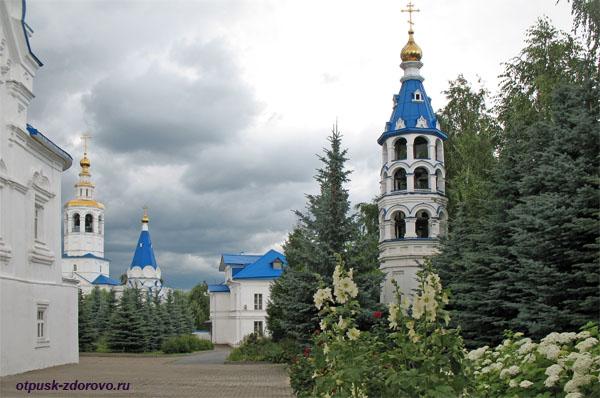 Малая Колокольня Казанского Зилантова монастыря