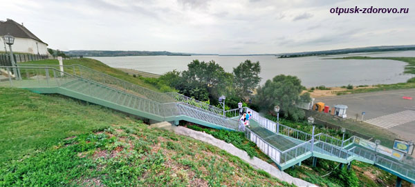 Лестница-вход на остров-град Свияжск