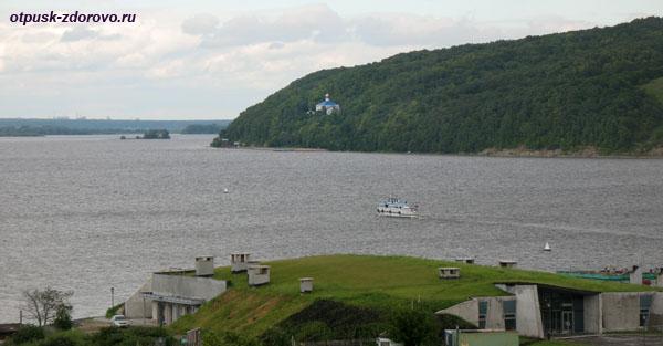 Макарьевский монастырь, вид с острова Свияжск