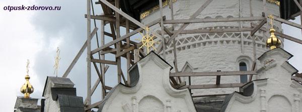 Восьмиконечные кресты-штурвалы, Свияжский Успенский собор