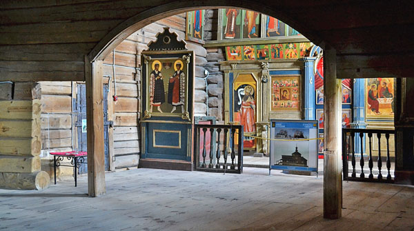 Внутри Свияжской Троицкой церкви