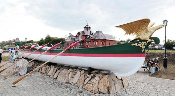 Ботик Павла 1 на острове Свияжск