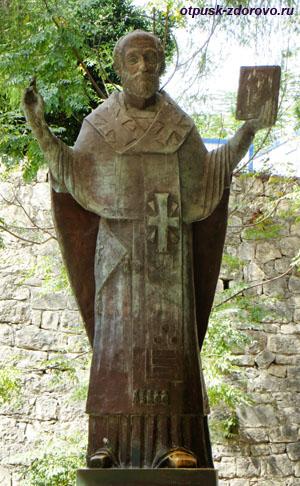 Памятник святому Николаю Чудотворцу в Демре, Турция