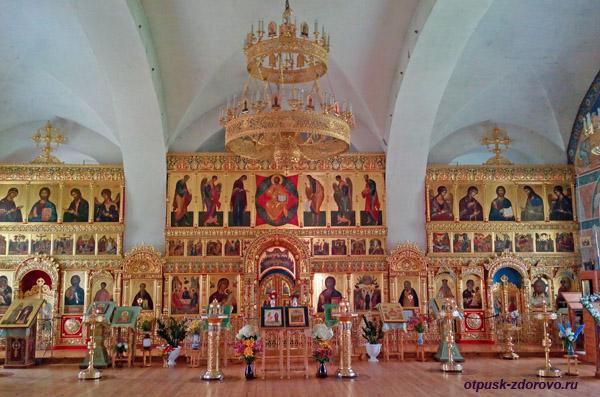 Внутри Вознесенской церкви, Калязин, Тверская область