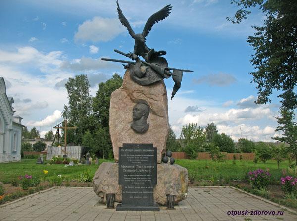 Памятник Михаилу Скопину-Шуйскому, достопримечательности Калязина, Тверская область