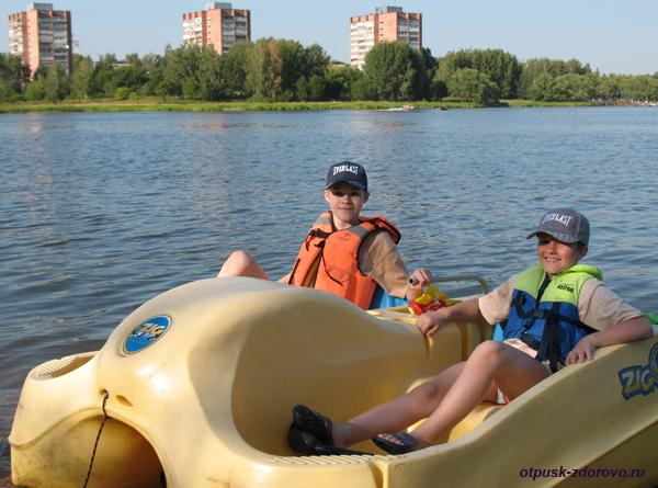 Отдых с детьми летом. Песчаный пляж, Волга, Конаково