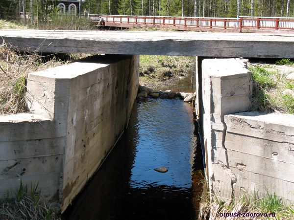 Исток Волги, Волговерховье, 1-й мост через Волгу
