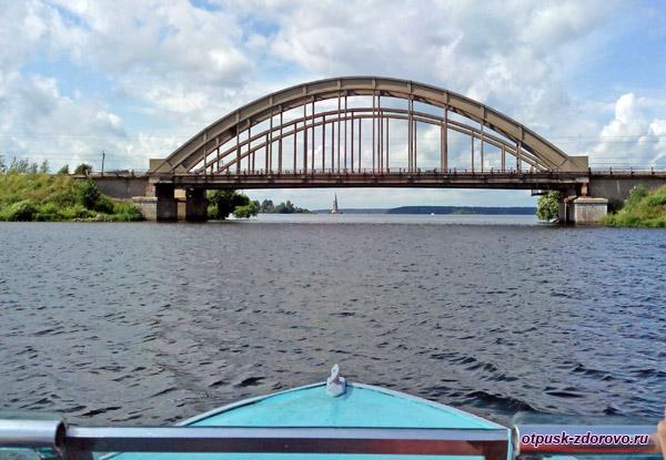 Калязинская колокольня и автомобильный мост, Калязин, Тверская область