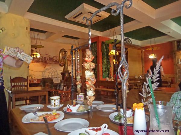 Шашлык, Ресторан Мышеловка, достопримечательности Мышкина