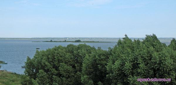 Озеро Неро, вид со смотровой площадки Спасо-Яковлевского монастыря