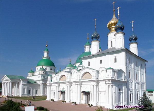 Великолепные храмы Спасо-Яковлевского Димитриева монастыря