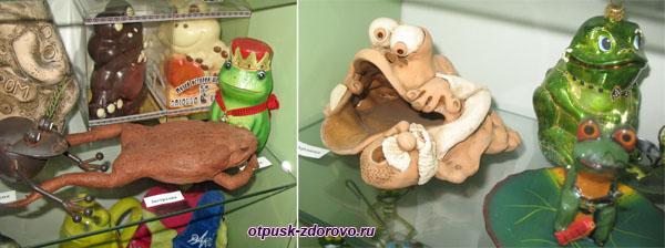 Поделки лягушек, в музее Ростова Великого